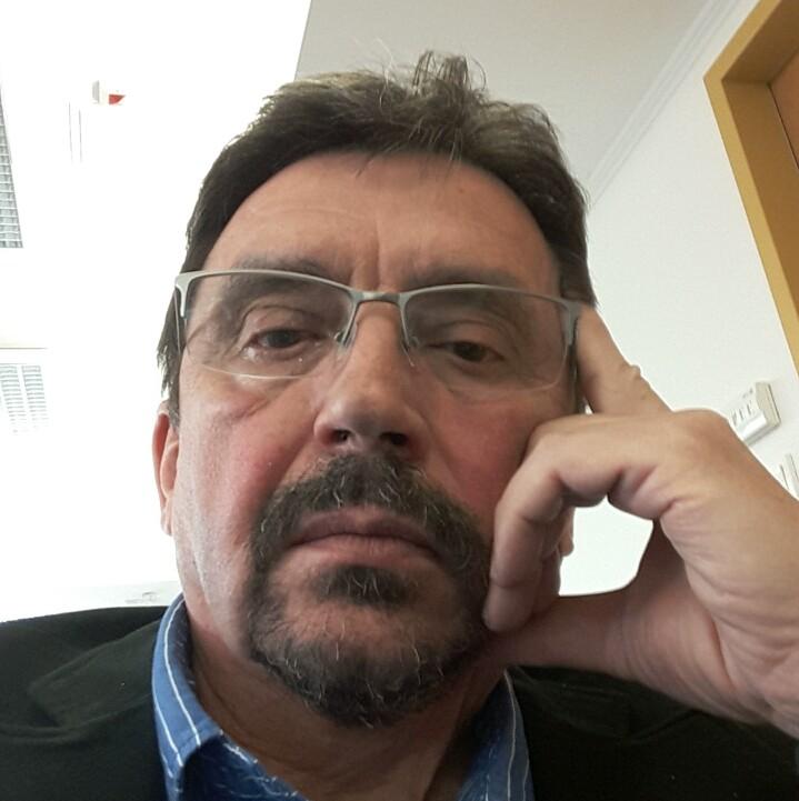 Gyovai János magánvállalkozó, kereskedő, tréner